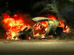 [Vidéo] Accident entre une Volkswagen Golf GTI et une Nissan GT-R, la Japonaise n'y a pas survécu
