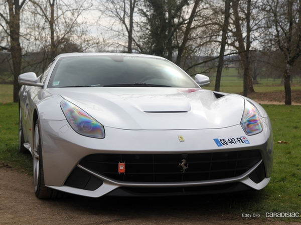 Photos du jour : Ferrari F12 (Rallye de Paris)