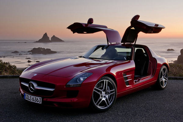 """Confirmation: Une """"petite Mercedes SLS"""" en préparation!"""