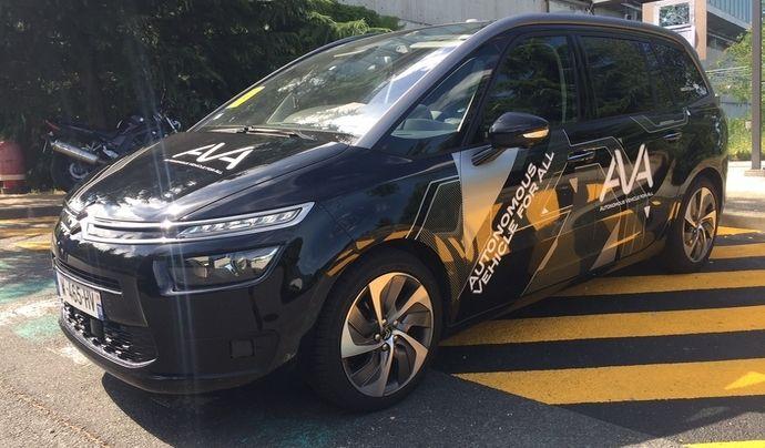 PSA laisse tomber la voiture totalement autonome