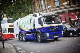 Un camion-poubelle hybride testé au Royaume-Uni