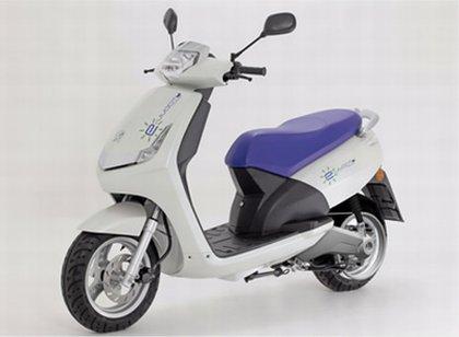 un scooter lectrique peugeot lanc en 2011 le concept e vivacity l 39 annonce. Black Bedroom Furniture Sets. Home Design Ideas