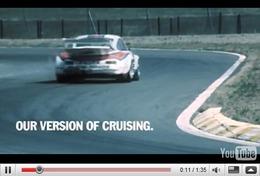 Réveil Auto - Porsche : racing, not posing
