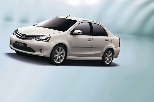Salon de New Delhi : Toyota Etios concept, la Logan indo-japonaise