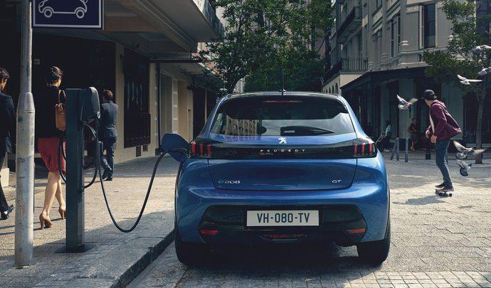 L'avalanche des reportages pour et contre la voiture électrique