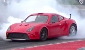 La kit car à moteur Tesla qui pulvérise tout ce qui roule en vidéo