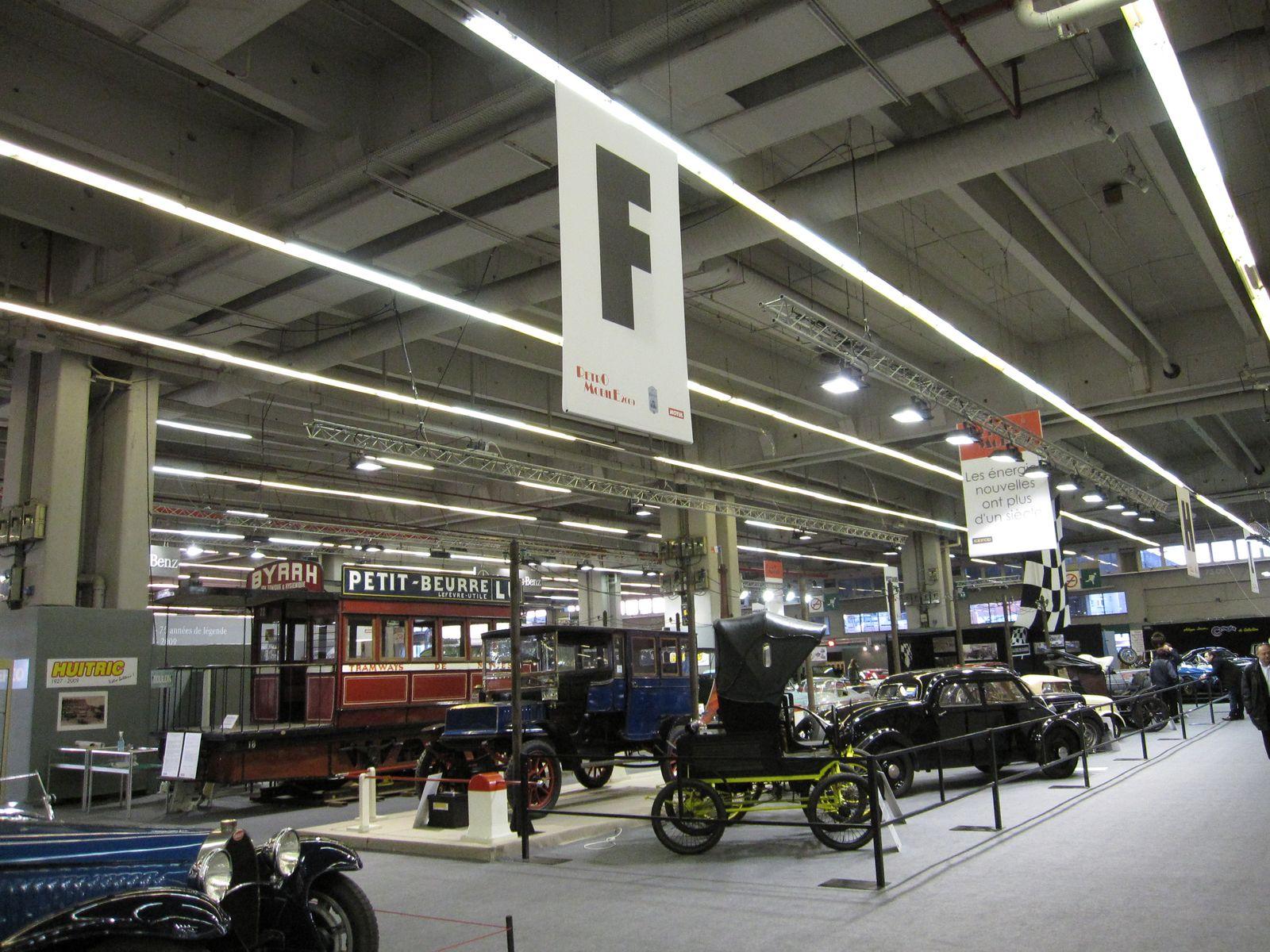Salon r tromobile 2010 un omnibus cheval vous attend for Salon du retromobile