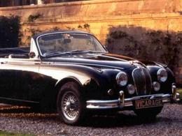 (J'aime de nuit) Vicarage, des vieilles Jaguar, de vraies vieilles!