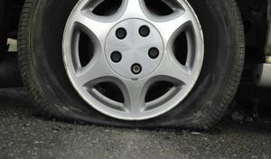 """Un """"serial-creveur"""" de pneus arrêté à Bordeaux, il s'en est pris à 6000 voitures"""