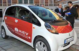 Monaco tend les bras à des Mitsubishi i-MiEV électriques