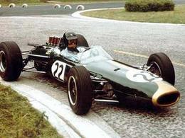 Réponse à la question du jour n° 165 : qu'a donc réalisé de très exceptionnel le pilote anglais Jack Brabham ?