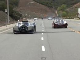 [video] Drag race entre deux Batmobile de différente génération