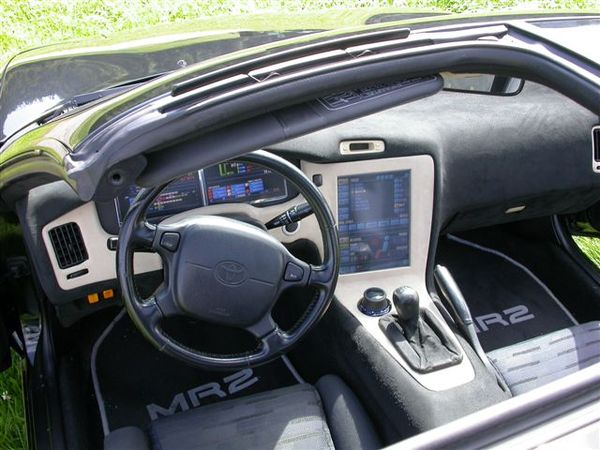 toyota mr2 i drive une installation incroyable. Black Bedroom Furniture Sets. Home Design Ideas