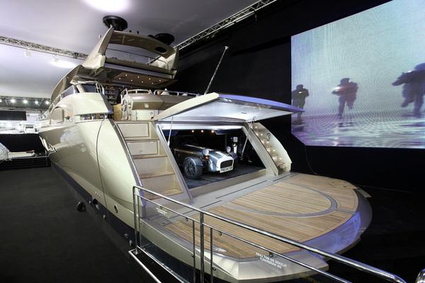 Caterham s'associe à Sunseeker International le temps du London Boat Show...