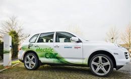 Un Porsche Cayenne électrique présenté au Sommet de Copenhague !