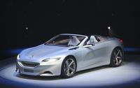Peugeot  change tout : un logo et un slogan inédits, un plan produit ambitieux et un concept SR1 magnifique