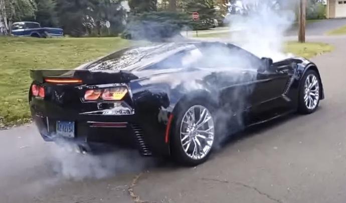 Il rate son burnout en Corvette C7 Z06