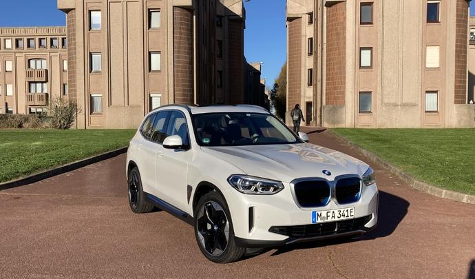 BMW iX3 (2020): les premières images de l'essai en live