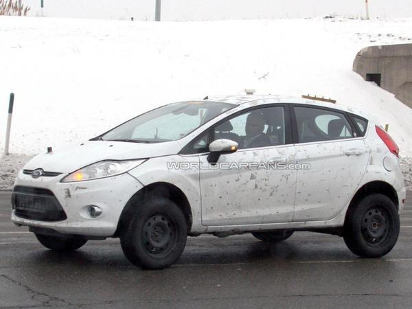 Futur petit crossover Ford sur base Fiesta : c'est lui