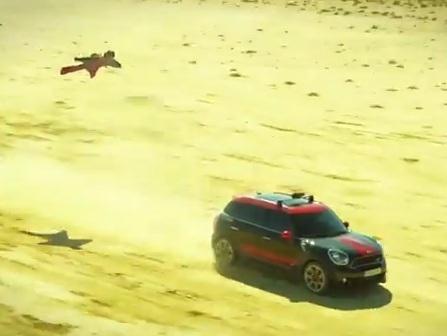 [vidéo] L'homme volant par MINI