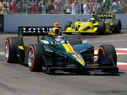 (Minuit chicanes) Lotus ridiculise son glorieux passé sportif