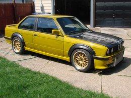 Une BMW pas bien belle, mais avec un moteur de Skyline GTR  en version full power !