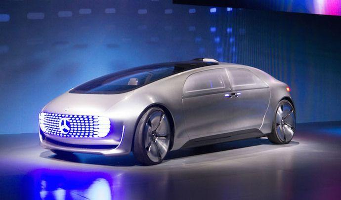 Voiture autonome: entre tuer ou être tué Mercedes a choisi