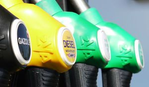 Flottes d'entreprises : le gouvernement vote la déduction de la TVA pour l'essence