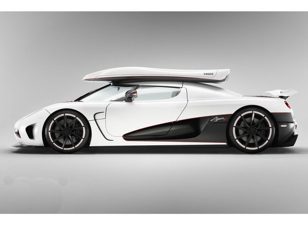 gen ve 2011 koenigsegg agera r 1130 ch et un coffre de toit. Black Bedroom Furniture Sets. Home Design Ideas
