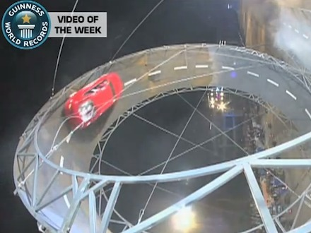 [insolite] Record du monde du plus grand looping automobile