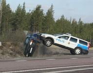 Arrestation musclée en Suède : Volvo par KO