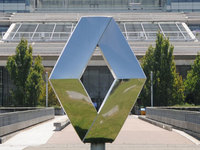 Les syndicats et Renault valident la suppression de 2500 postes