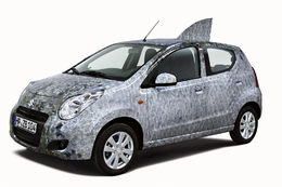 International Green Week 2010 : une Suzuki Alto prend la forme d'un poisson!