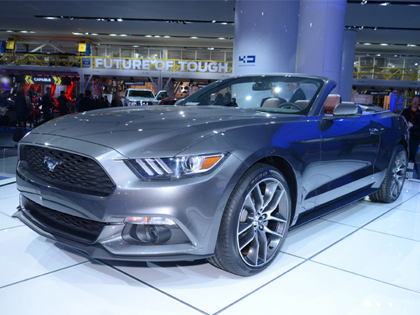 La Ford Mustang cabriolet arrive en concession ... aux US