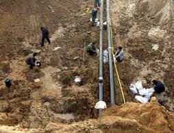 Fuite de gasoil en Chine : la course contre la montre est en marche