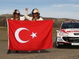 IRC: Un équipage féminin sur une Peugeot 207