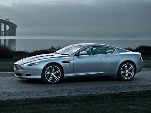 Aston Martin DB9, voiture préférée des Anglais