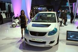 Salon AutoExpo de New Delhi 2010 : la Suzuki SX4 hybride