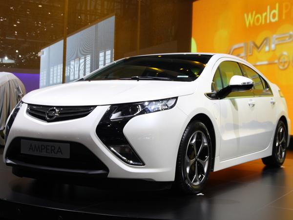 En direct de Genève : Opel Ampera, la version de série en première mondiale ( + video)