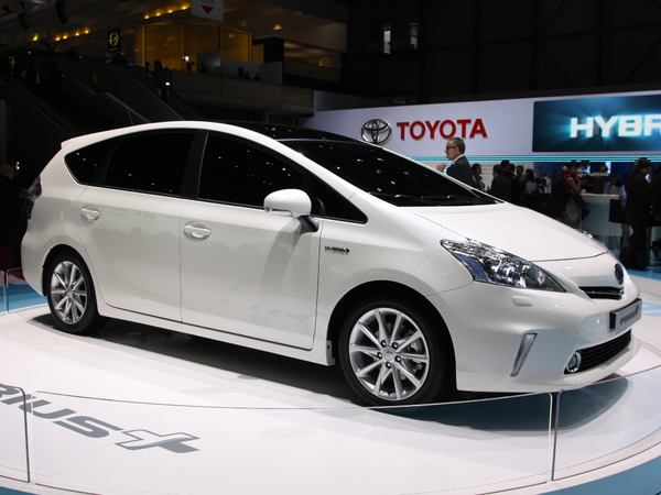 En direct de Genève : Toyota Prius +, la famille s'agrandit ( + video)