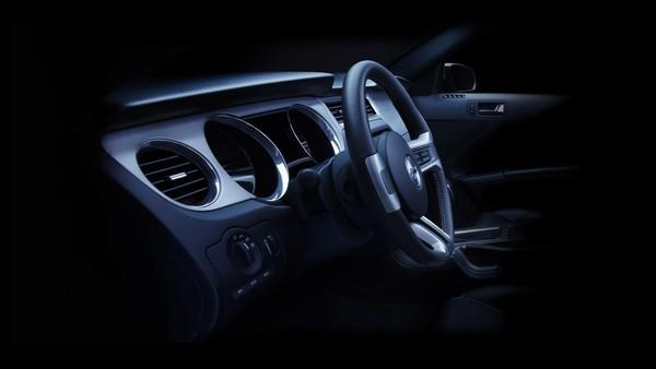 Ford Mustang 2010 : pour voir sous la robe (ajout 1 photo)