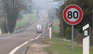 """Le Premier ministre se dit """"favorable"""" au passage à 80km/h"""