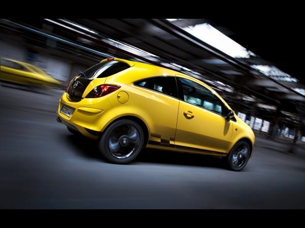 [Vidéo] l'Opel Corsa Color Race s'amuse avec son ancêtre