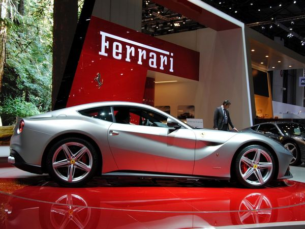[vidéo] La Ferrari F12berlinetta chante