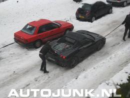 Une Ferrari 430 Spider, ça n'aime pas la neige