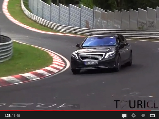Surprise : la Mercedes S65 AMG flotte sur le Ring