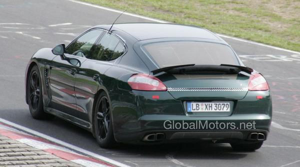 Porsche Panamera : quasiment nue