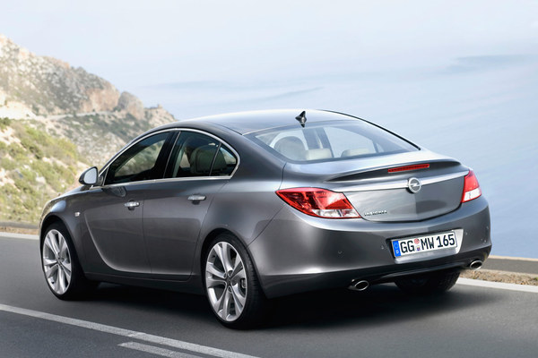 Opel Insignia, les prix (hollandais) : moins chère que Renault Laguna !