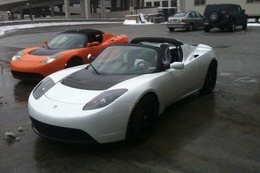 Salon de Détroit 2010 : Tesla célèbre le 1000e Roadster électrique produit