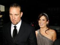 Une fan tente d'écraser le mari de Sandra Bullock !